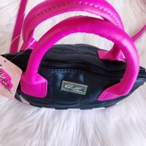 💜NWT Betsy Johnson Cat Pink & Black Crossbody